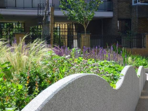 Percival Triangle Scheme - London Islington, Malta Str Open Space - Attractive planting on central 'Wavy Walls'